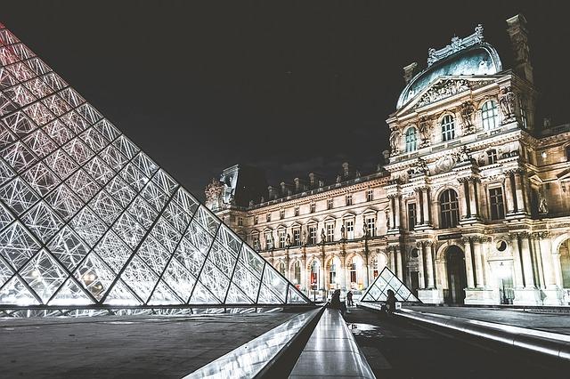 louvre muzeum
