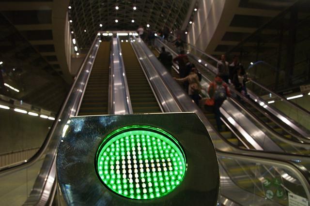 světlo u eskalátorů.jpg