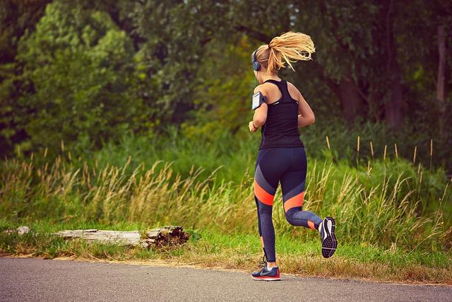blonďatá běžkyně